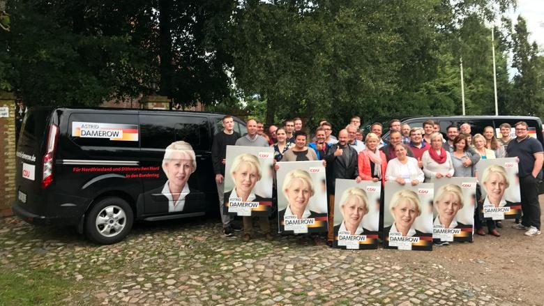 """Über 1500 Plakate """"schmücken"""" unseren Bundestagswahlkreis."""
